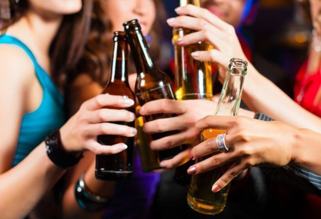 ALCOHOL ENTRE ADOLESCENTS